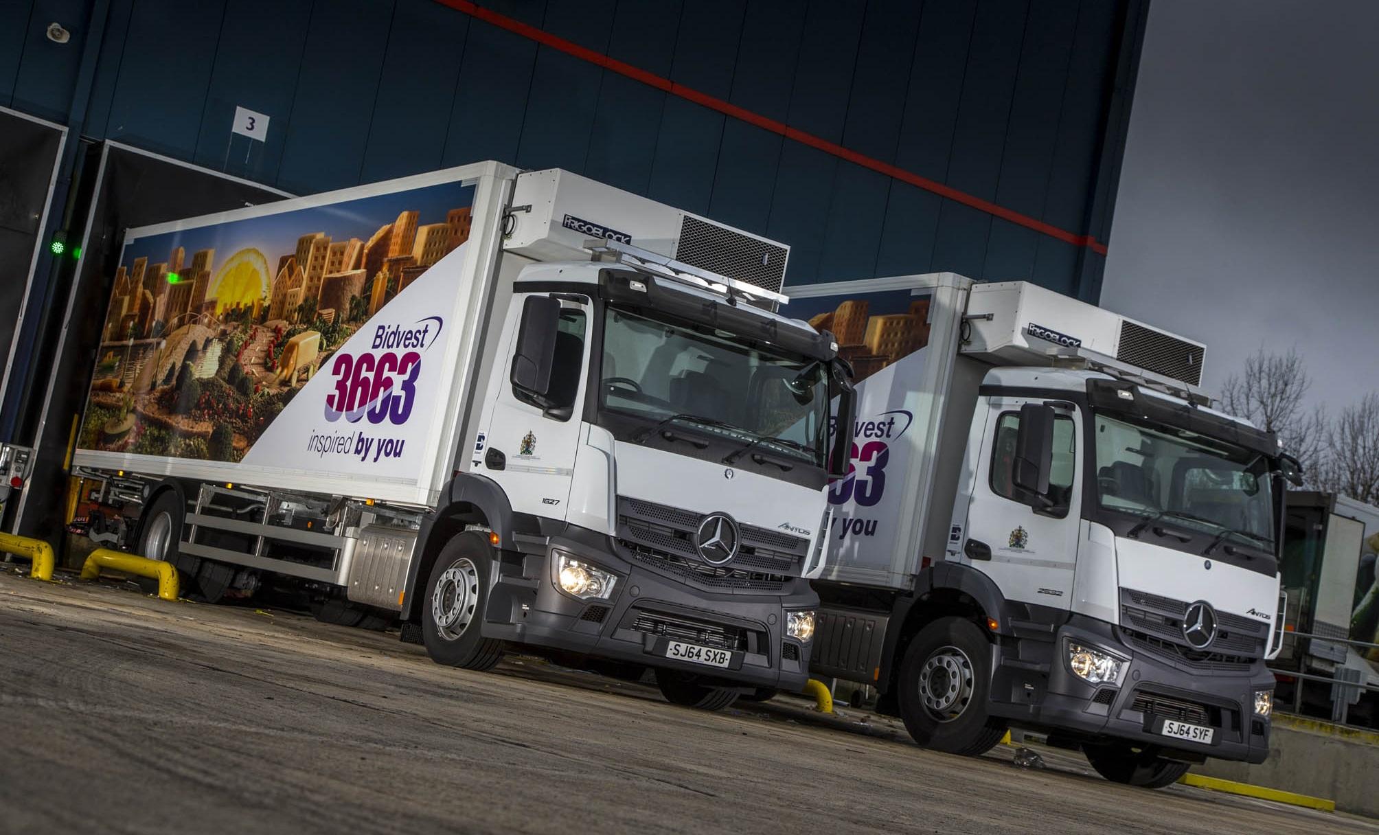 Mercedes benz dealer western commercial serves up another for Comercial mercedes benz