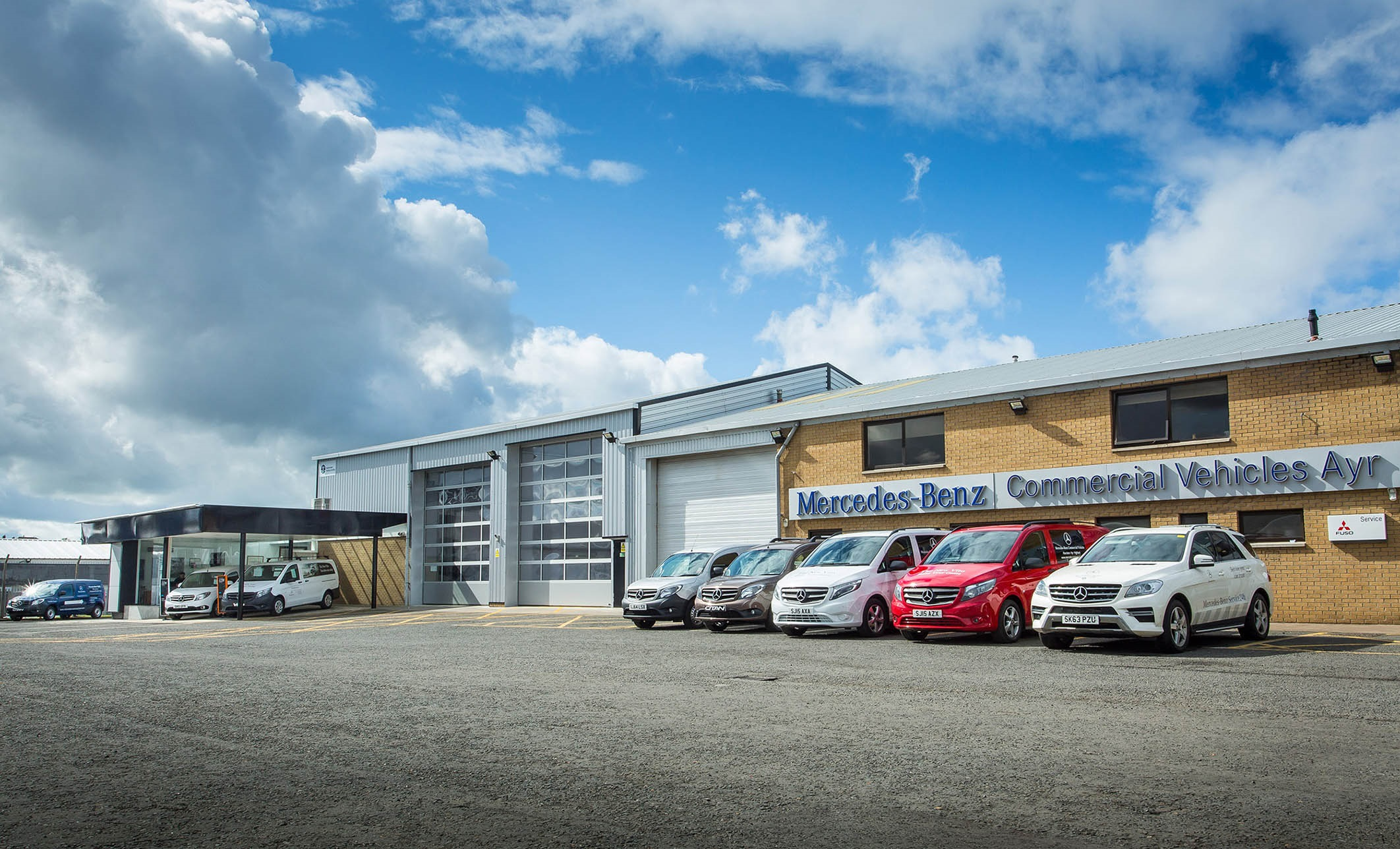 Premium service puts caledonian truck van dealerships in for Mercedes benz commercial