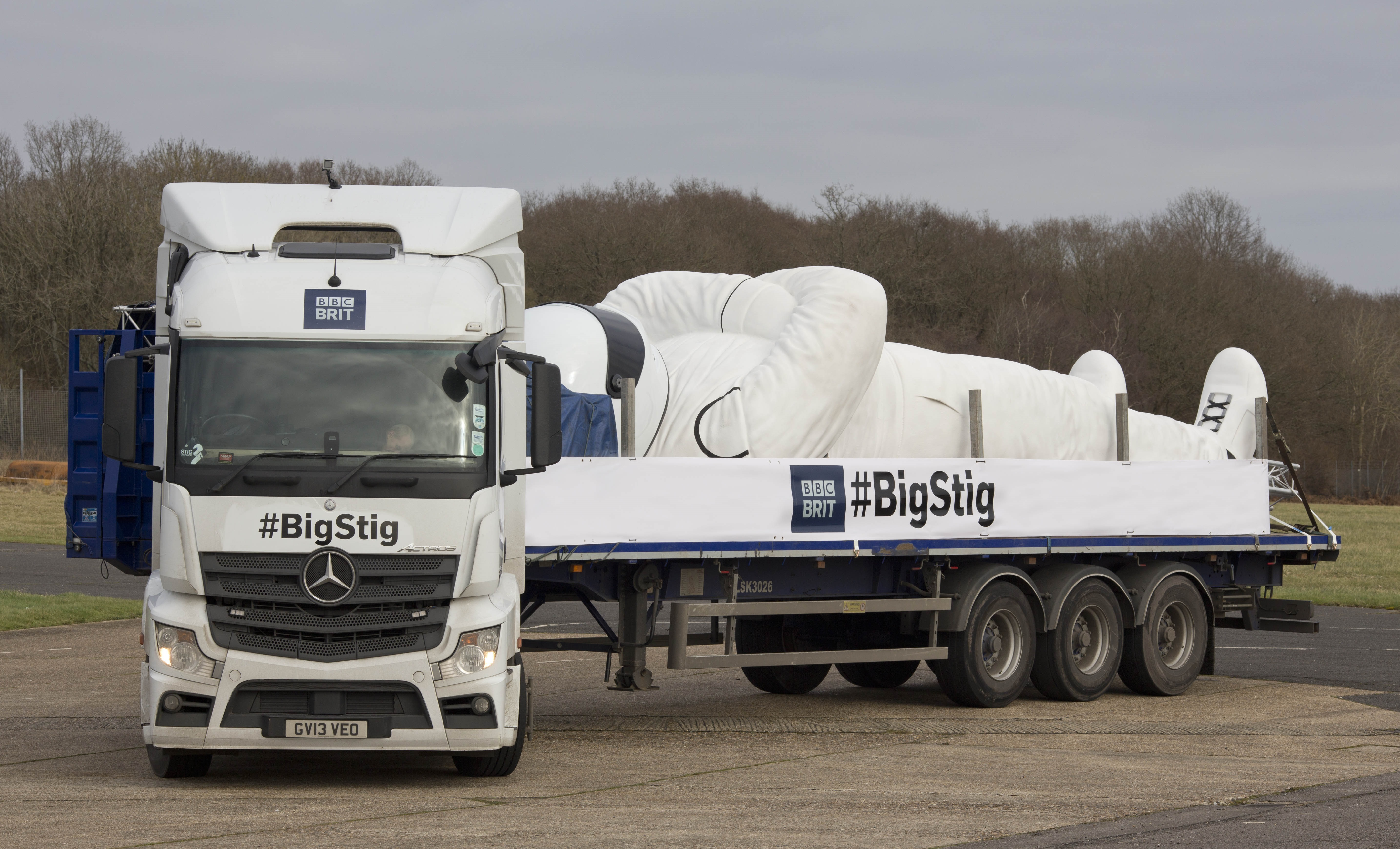 Mercedes benz trucks uk
