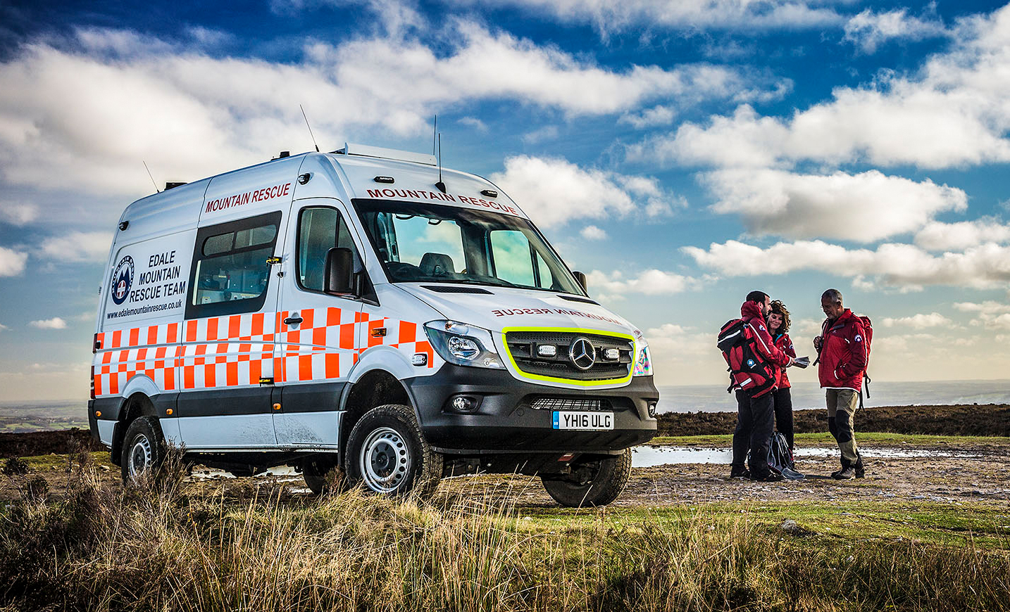 Mercedes benz sprinter 4 4 to the rescue in edale vans for Mercedes benz emergency