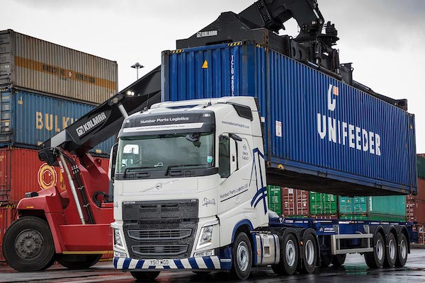 Humber-Ports-Logistics-Volvo-Truck-UNIFEDER-CONTAINER