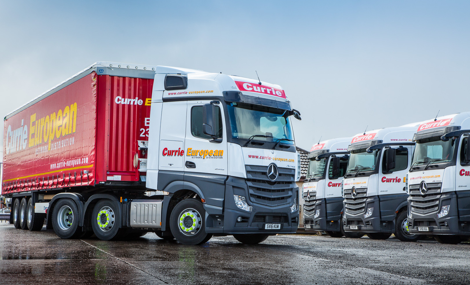 Currie warms to mercedes benz actros fleet uk haulier for Mercedes benz astros