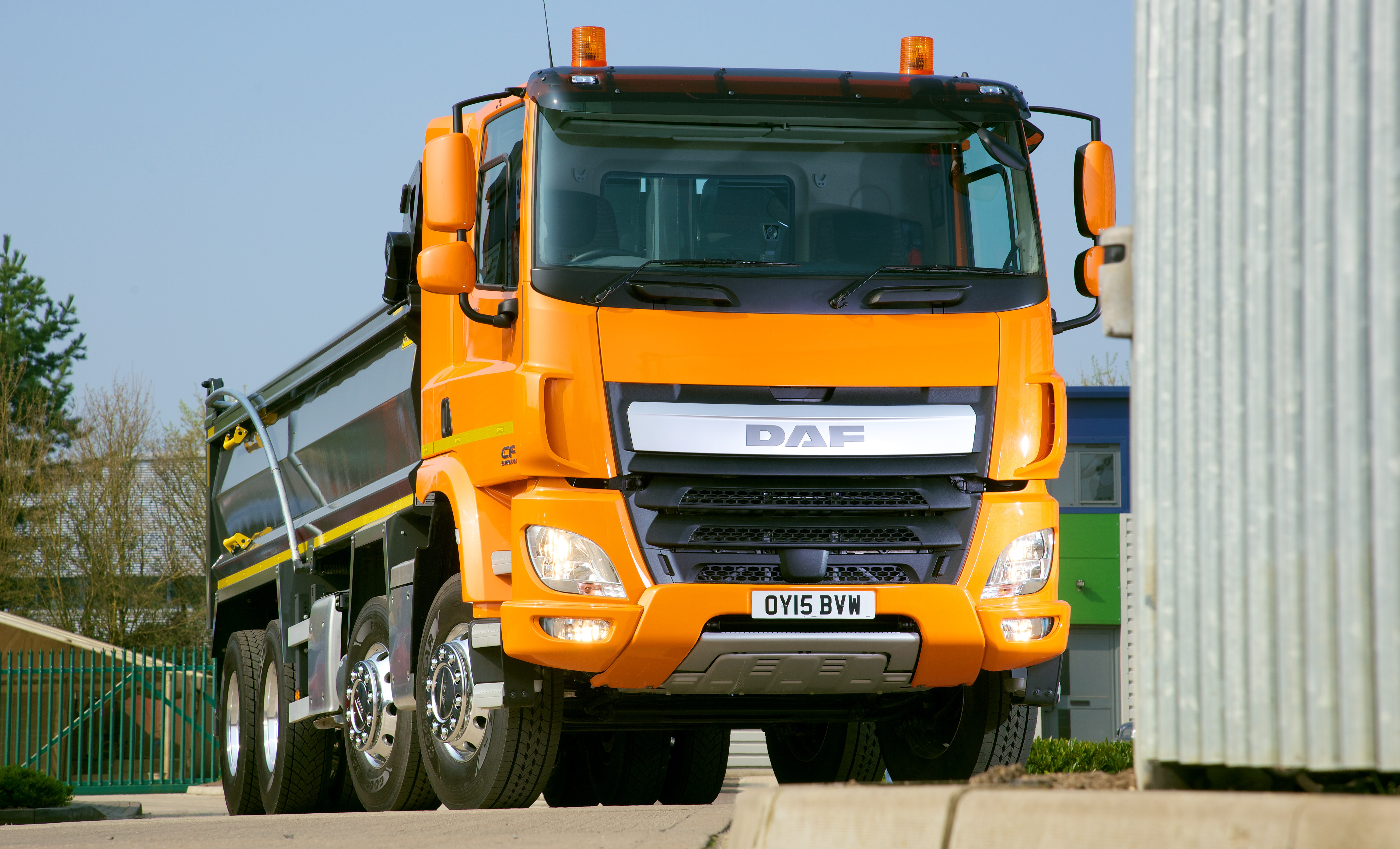 Daf Pre Empts Lengthy Lead Times With Tip Skip Grab And