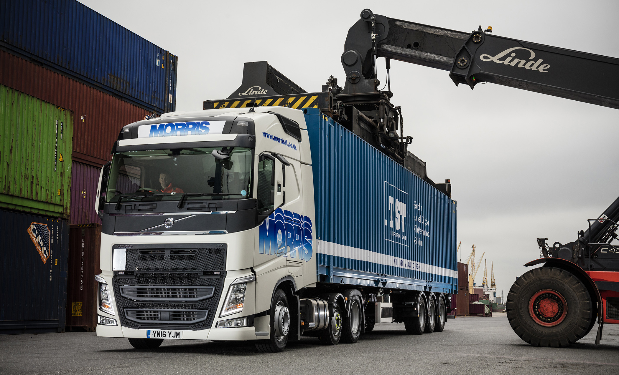 E. T. Morris & Sons' low height Volvo FH Chassis is the 'Big Apple' | Fleet UK Haulier