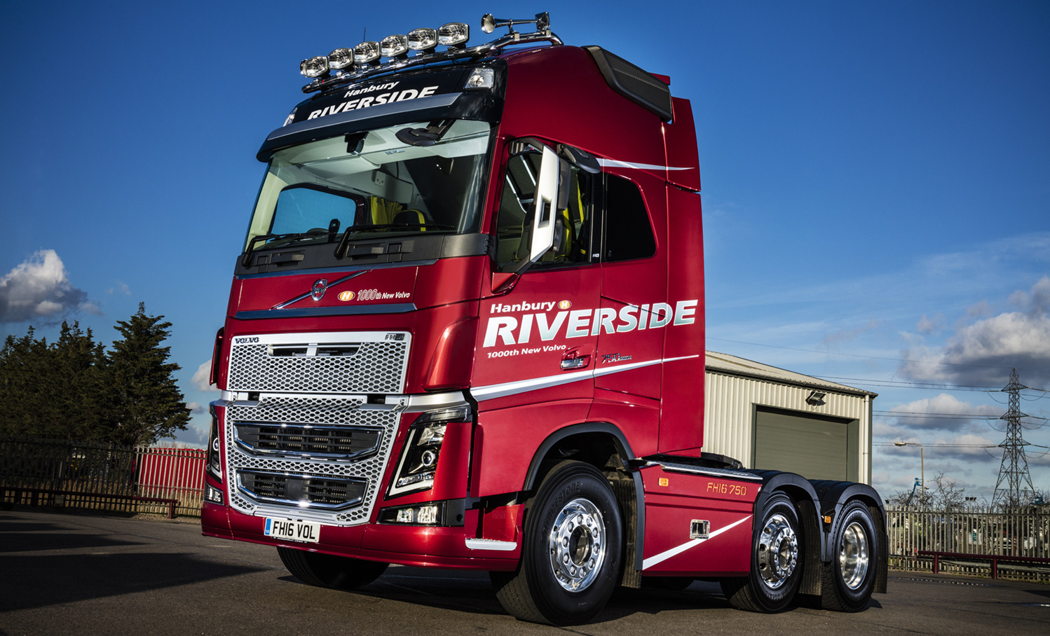Hanbury Riverside Celebrates 1 000th New Volvo With Unique