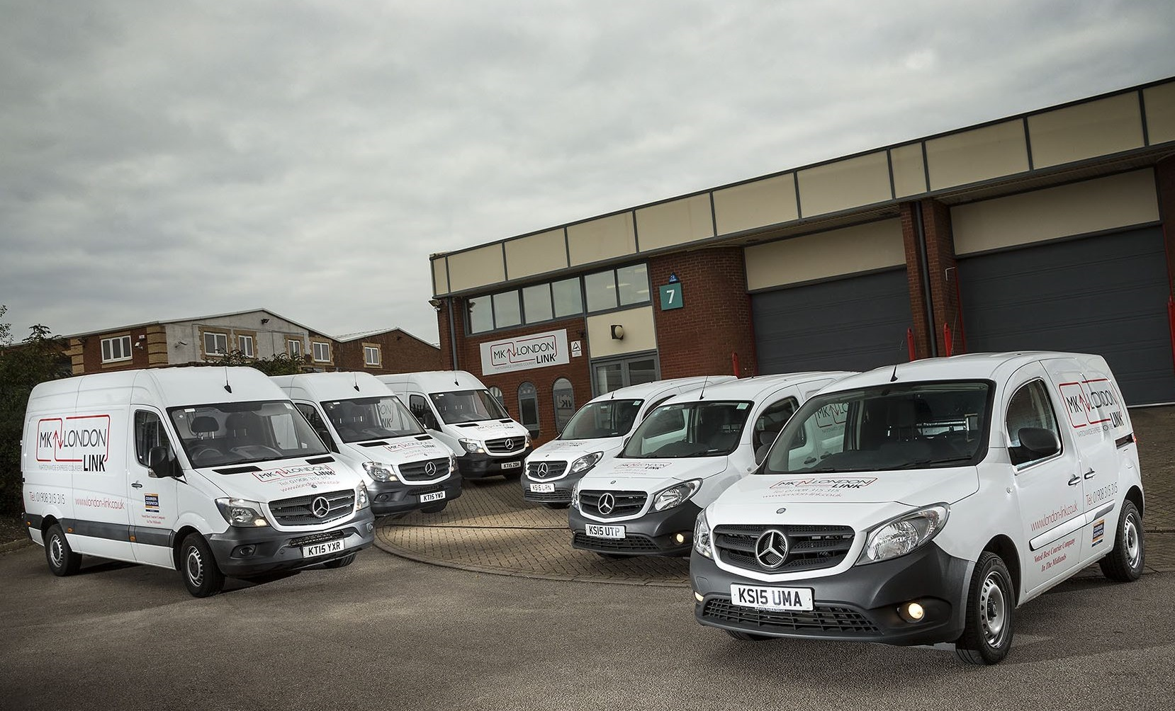 Local heroes team up to deliver new mercedes benz vans for Local mercedes benz dealer