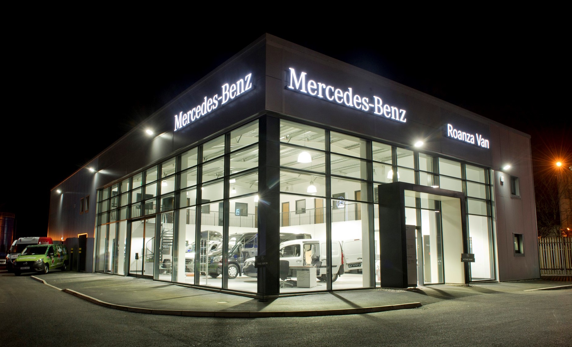 Mercedes benz dealer roanza truck van launches 1m for Mercedes benz dealers in michigan