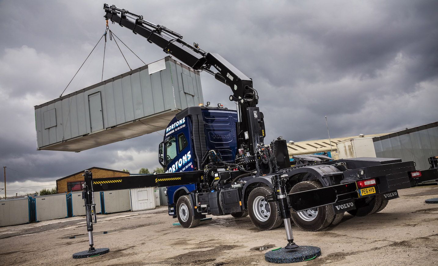10-Tonne front axle rating on FH crane truck clinches deal for Norton's HIAB Services | Fleet UK ...