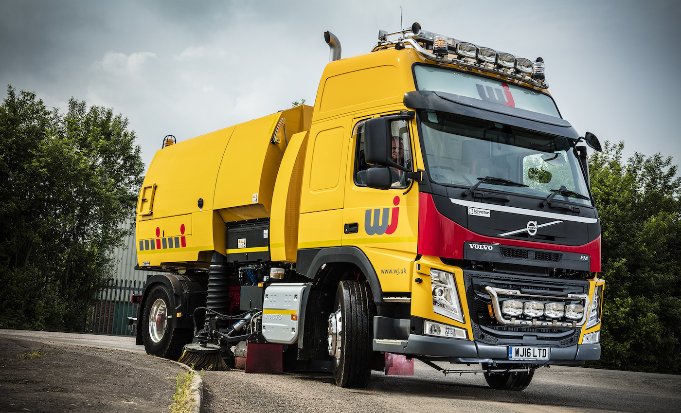 Volvo 'super sweeper' clears the way