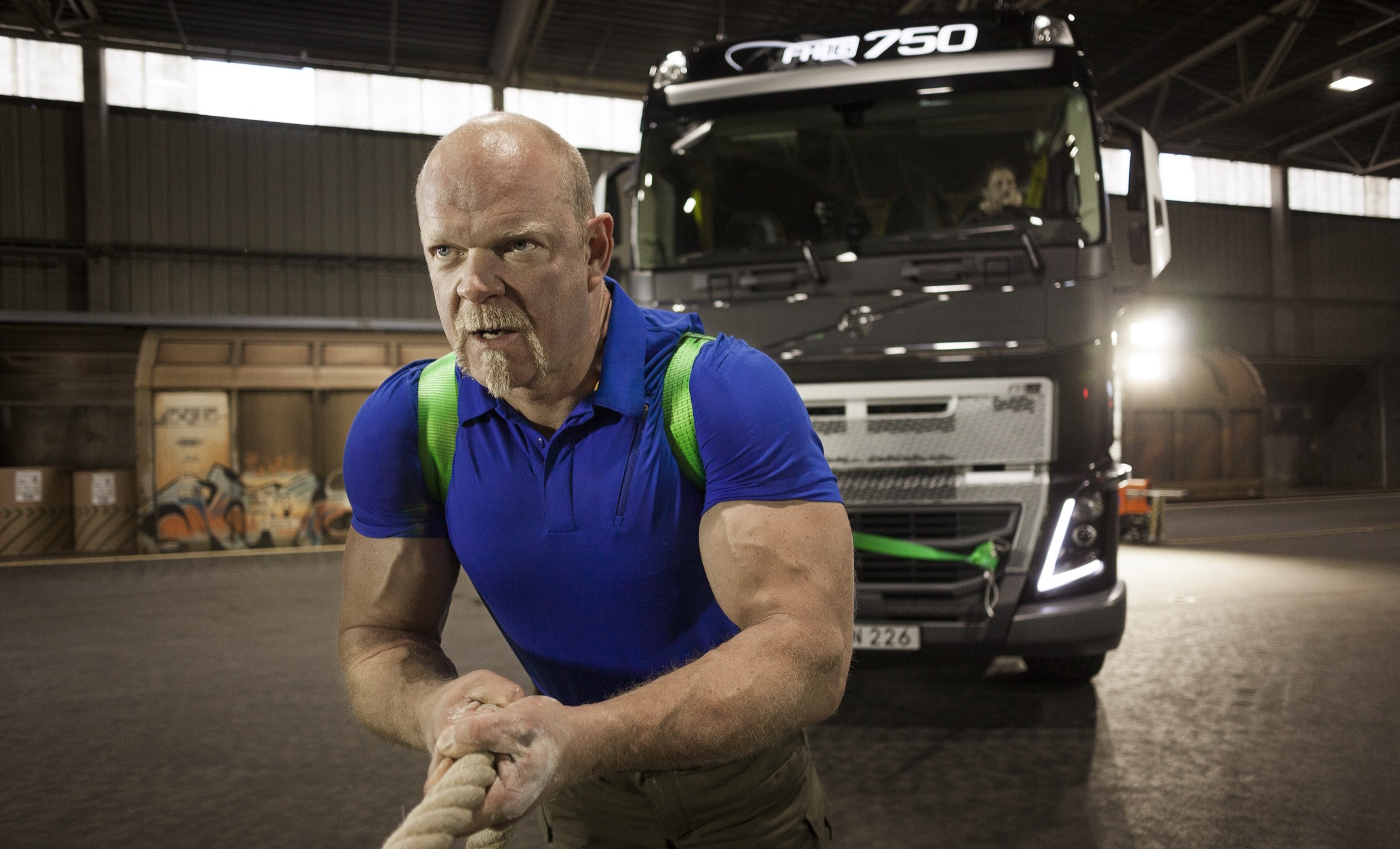 Volvo Trucks and the world's strongest man team up for an extreme heavy haulage challenge ...