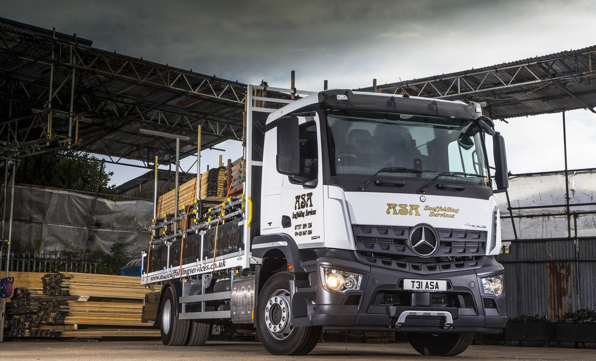Pre Owned Trucks >> Scaffolding firm reaches new heights with Mercedes-Benz